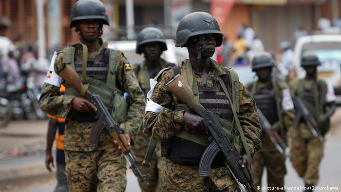 Uganda Afrika Soldaten Sicherung Demonstration