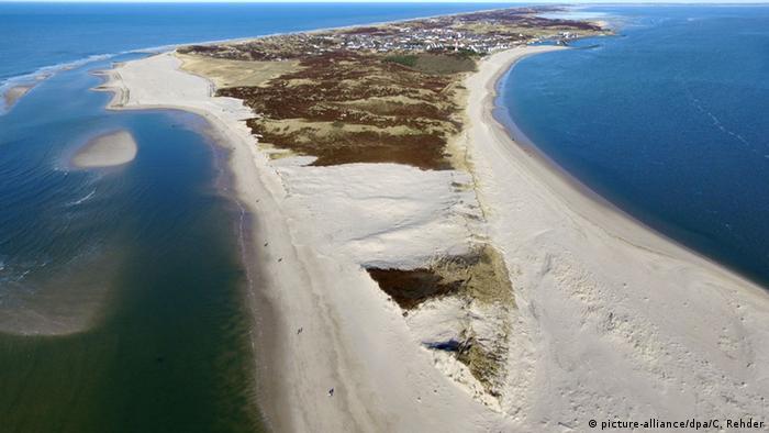 Sylt Südspitze Sand Erosion (picture-alliance/dpa/C. Rehder)
