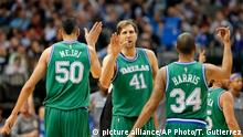 NBA basketball Dallas Maverick vs. Philadelphia Dirk Nowitzki