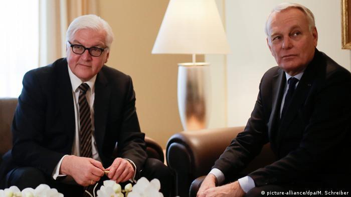 Голови МЗС Німеччини та Франції Франк-Вальтер Штайнмаєр (ліворуч) та Жан-Марк Еро