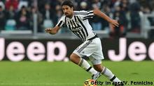 Bildunterschrift:TURIN, ITALY - JANUARY 06: Sami Khedira of Juventus FC in action during the Serie A match between Juventus FC and Hellas Verona FC at Juventus Arena on January 6, 2016 in Turin, Italy. (Photo by Valerio Pennicino/Getty Images)