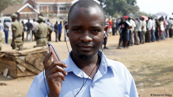 Uganda Wahlen Abschaltung Social Media Zugänge