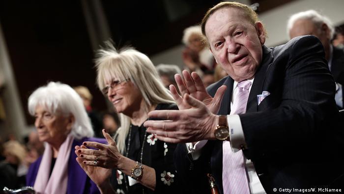 USA Whashington DC Miriam Ochsorn (M) und Sheldon Gary Adelson, Besitzer der Las Vegas Sands-Gruppe (Getty Images/W. McNamee)