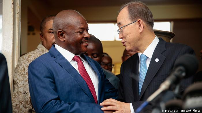 UN Secretary General Ban Ki-moon with Burundian President Pierre Nkurunziza. © picture-alliance/AP Photo