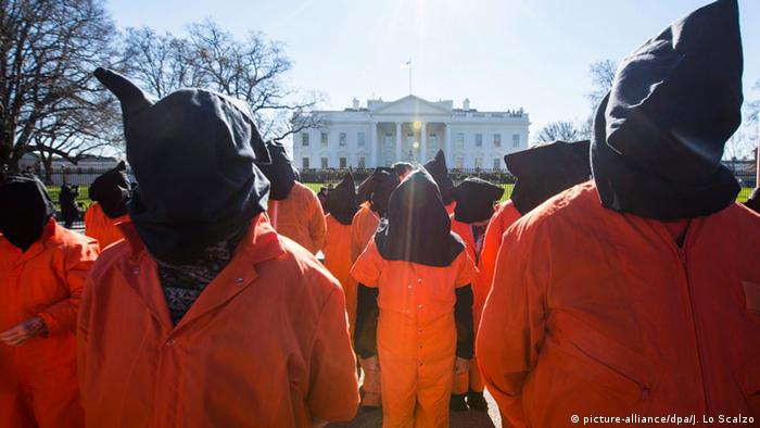 USA Protest gegen Guantanamo Bay in Washington (picture-alliance/dpa/J. Lo Scalzo)