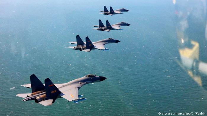China Luftwaffe demonstriert Stärke