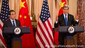 John Kerry y Wang Yi, en Washington, el martes.