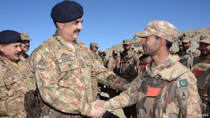 Pakistans Army Chief Raheel Shareef visited the Shawal region to review the military operation (Photo: ISPR)