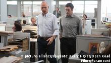 ***ACHTUNG: Verwendung nur für redaktionelle Zwecke im Zusammenhang mit der Berichterstattung über den genannten Film!*** This photo provided by Open Road Films shows Michael Keaton, left, and Mark Ruffalo in a scene from the film, Spotlight. Ruffalo was nominated for an Oscar for best supporting actor on Thursday, Jan. 14, 2016, for his role in the film. The 88th annual Academy Awards will take place on Sunday, Feb. 28, at the Dolby Theatre in Los Angeles. (Kerry Hayes/Open Road Films via AP) © picture-alliance/dpa/Foto: Kerry Hayes/Open Road Films/Paramount