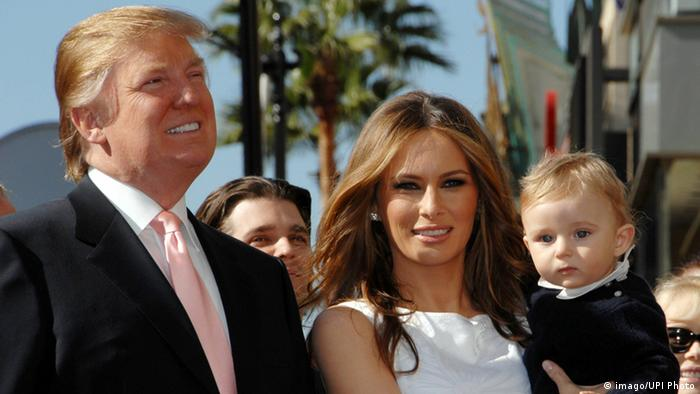USA Los Angeles Melania Trump Sohn Barron (r) , Donald Trump