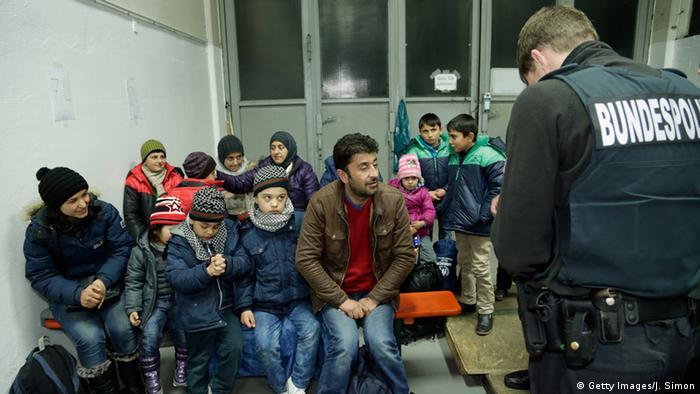 وجهة نظر ـ اللاجئون في حاجة للحماية، لكن عليهم واجبات أيضا