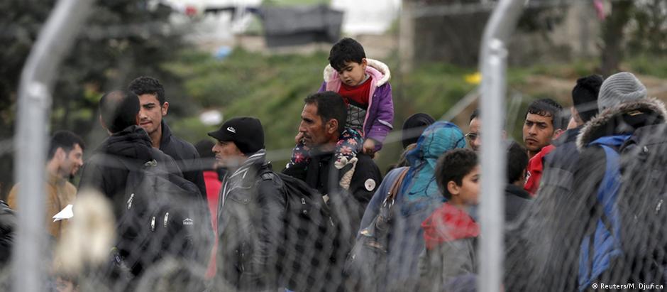 Refugiados em Idomeni, na fronteira entre a Grécia e a Macedônia