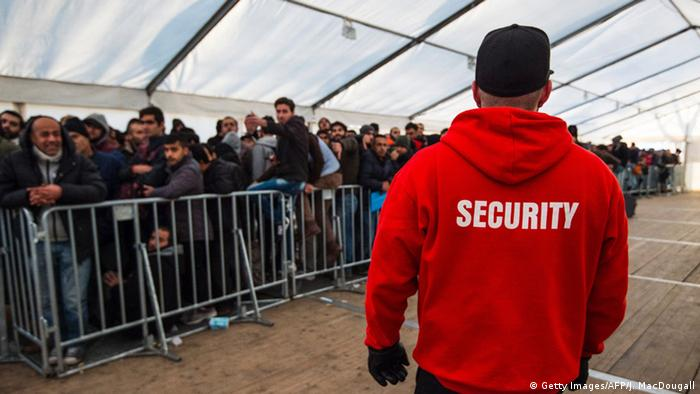 Security person at LaGeSo