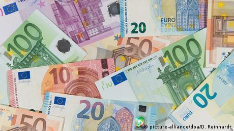Κομισιόν: H αρχή του τέλους για τα μετρητά;