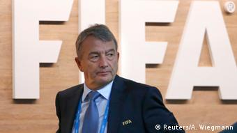 Schweiz Zürich FIFA Außerordentlicher Kongress Wolfgang Niersbach (Reuters/A. Wiegmann)