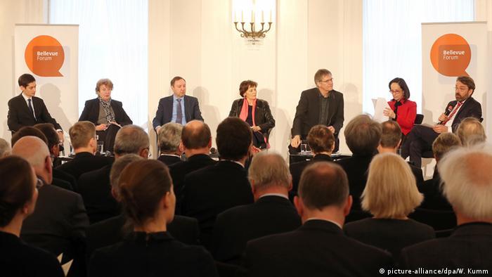 Berlin Schloss Bellevue Forum Flüchtlinge - eine Herausforderung für Europa
