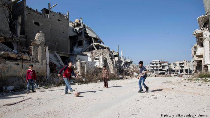 Syrien Waffenruhe Kinder in Homs
