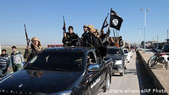 IS fighter convoy in north east Syria
