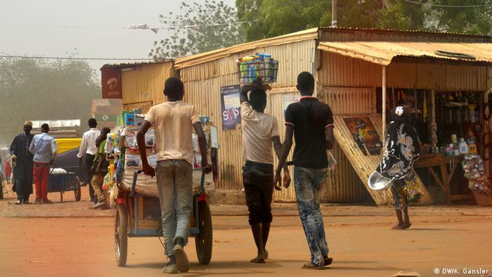 Junge Menschen im Niger
