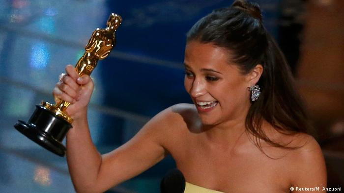 آلیسیا ویکاندر برنده جایزه اسکار