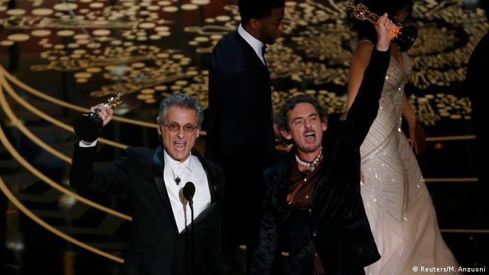 اسکار بهترین تدوین صدا به مارک منجینی و دیوید وایت