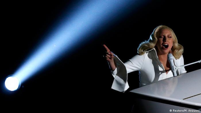 لیدی گاگا، خواننده معروف آمریکایی در مراسم اسکار