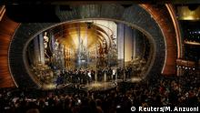28. Feb. 2016 Oscar winners gather on stage after the end of the awards ceremony at the 88th Academy Awards in Hollywood, California February 28, 2016. REUTERS/Mario Anzuoni (C): Reuters/M. Anzuoni