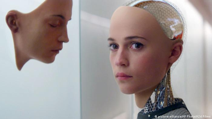 Film still Ex Machina starring Alicia Vikander (picture-alliance/AP Photo/A24 Films)