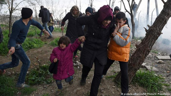 Refugiați la granița cu Macedonia