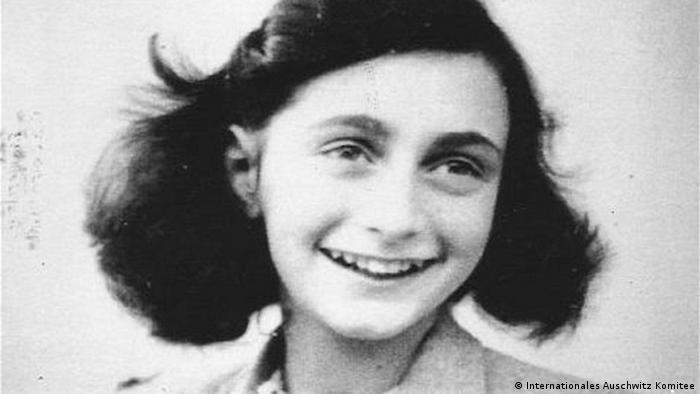 Foto de Anne Frank aos 13 anos