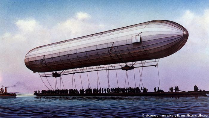 Erster Zeppelinflug 1900 am Bodensee (Photo: picture-alliance/Mary Evans Picture Library)