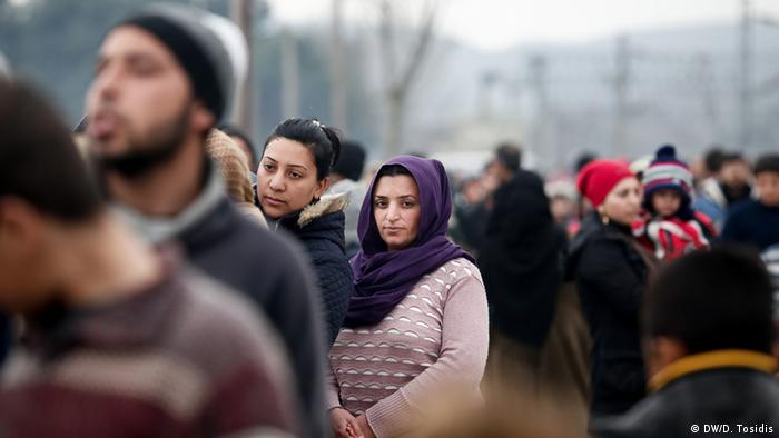 Refugees at the Greek-Macedonian border (Foto:Dimitris Tosidis/ DW)