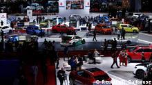 Schweiz Autosalon Genf 2016 Blick in einer Halle