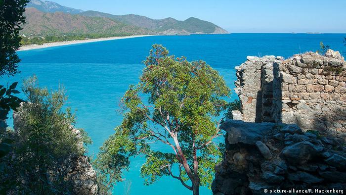 Türkei Antalya Kemer-Cirali Strand von Olympos/Cirali (picture-alliance/R. Hackenberg)