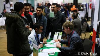 Deutschland Berlin Flüchtlinge und Arbeitsmarkt Jobbörse im Berliner Hotel Estrel