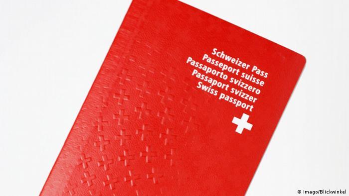 Schweizer Reisepass (Imago/Blickwinkel)