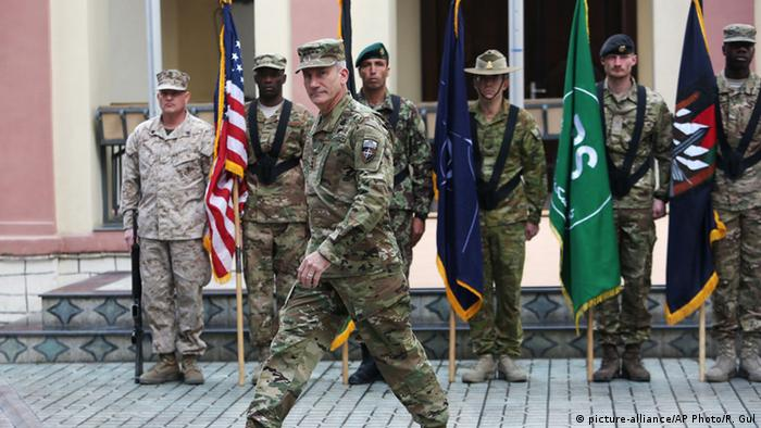 Afghanistan neuer Nato-Oberbefehlshaber General John Nicholson (picture-alliance/AP Photo/R. Gul)