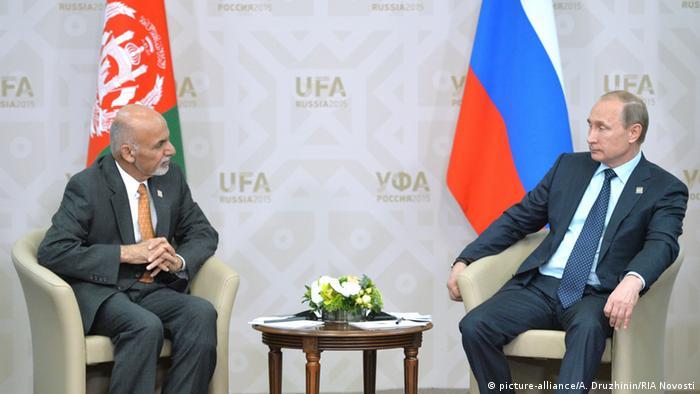 Präsident Wladimir Putin Russland mit Präsident Ashraf Ghani Ahmadzai Afghanistan (picture-alliance/A. Druzhinin/RIA Novosti)