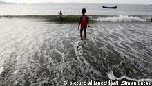 Indischer Ozean Strand Junge Tsunami Warnung Indonesien Sumatra