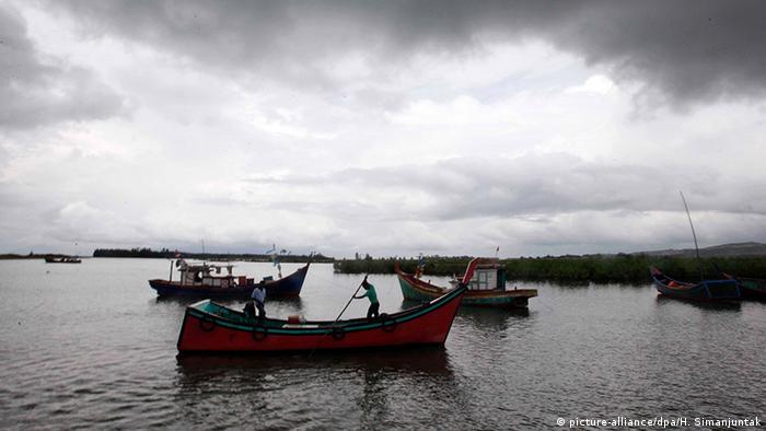Indonesien Hafen von Neuhen, Aceh Fischerboote