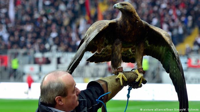 A águia Attila, mascote do Frankfurt