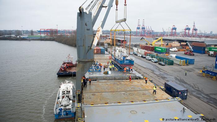 Das Kontroll- und Streifenboot BP 64 Börde der Bundespolizei
