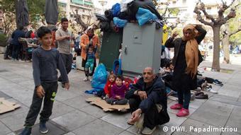 Πλατεία Βικτωρίας, χώρος συνάντησης και διαμονής μεταναστών και προσφύγων