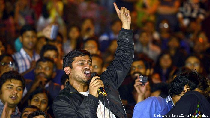 Indien Neu Dehli Kanhaiya Kumar hält Rede