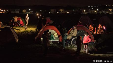 Griechenland Idomeni by Night Away from the cameras