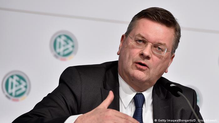 Deutschland DFB PK Reinhard Grindel Untersuchungsbericht (Getty Images/Bongarts/D. Grombkowski)