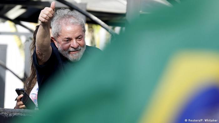 """Jornal alemão diz que política brasileira é melhor que """"House of Cards"""""""