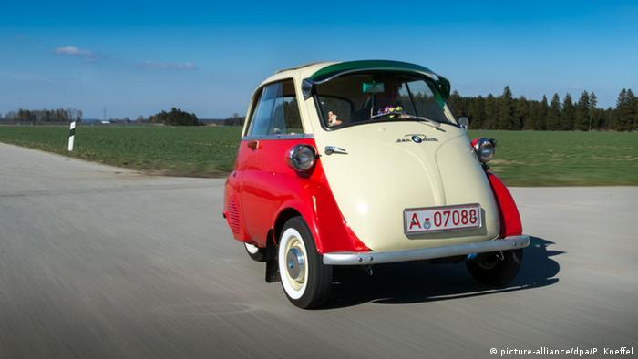 За загальним визнанням, ця модель хоч і не потягла на гоночну, але між 1955 та 1962 роками сприяла фінансовому успіхові BMW. Доступна за ціною та практична Isseta мала перероблений двигун від мотоцикла. Для економії місця водій потрапляв всередину через передні двері, де містилося і кермо.