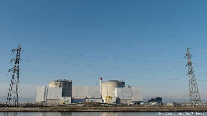 France nuclear power station at Fessenheim (picture-alliance/dpa/P. Seeger)