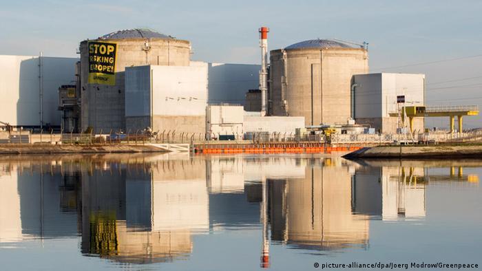Frankreich Atommeiler Fessenheim (picture-alliance/dpa/Joerg Modrow/Greenpeace)